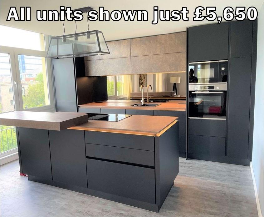Black matt handleless kitchen 34