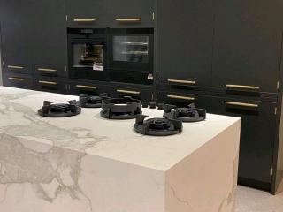 Designer Kitchen Black