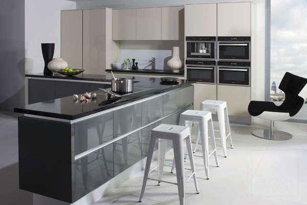 Gloss kitchens archives page 2 of 3 kitchenfindr for Kitchen ideas grey gloss