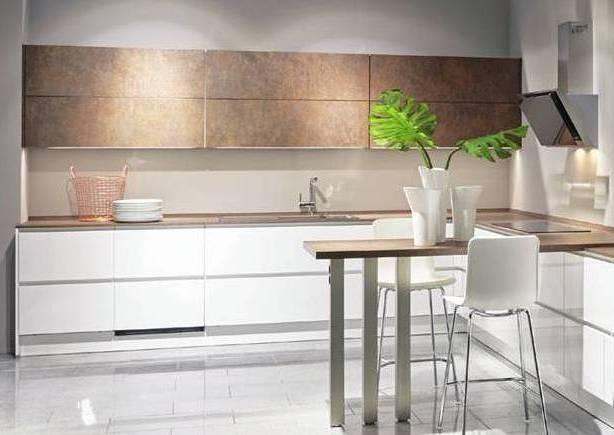 White Gloss Bronze Kitchen
