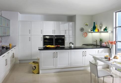 White Gloss Shaker Kitchen