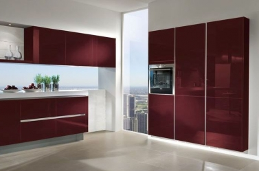 Wine red gloss kitchen