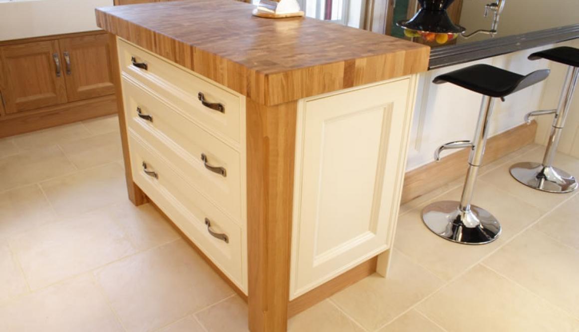 bespoke kitchen cream oak
