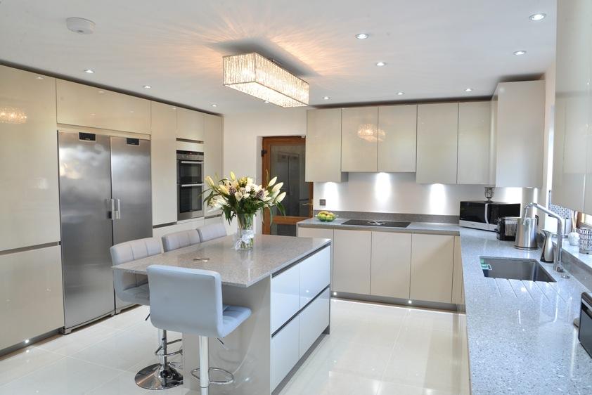 handleless kitchen cropped