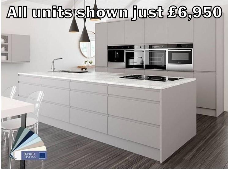 light grey matt handleless kitchen 150.1