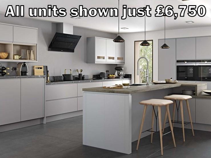 light grey matt handleless kitchen 300.2