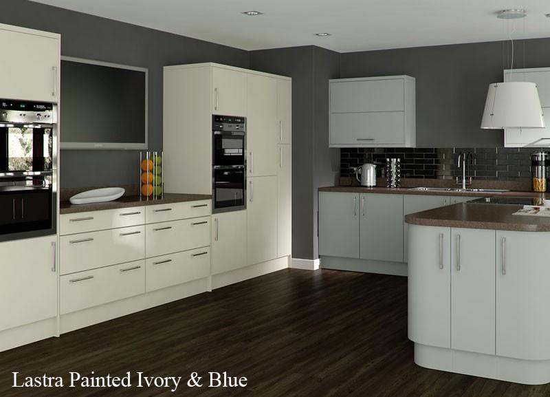 Matt kitchens archives kitchenfindr for Blue and cream kitchen ideas