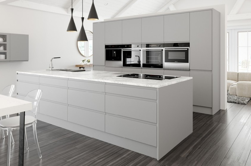 Complete kitchen units with handleless gloss grey doors for Light grey modern kitchen