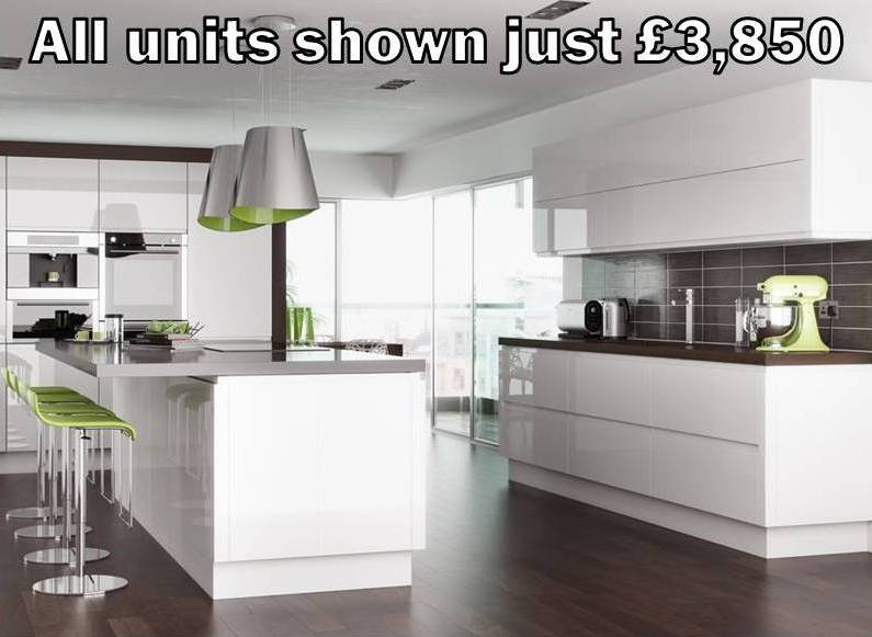 white gloss handleless kitchen 129
