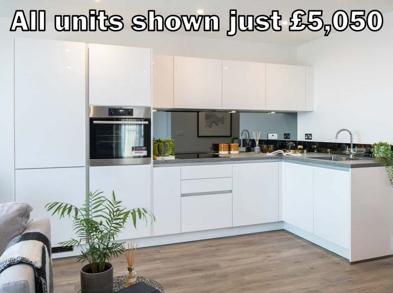 white gloss handleless kitchen 300.9