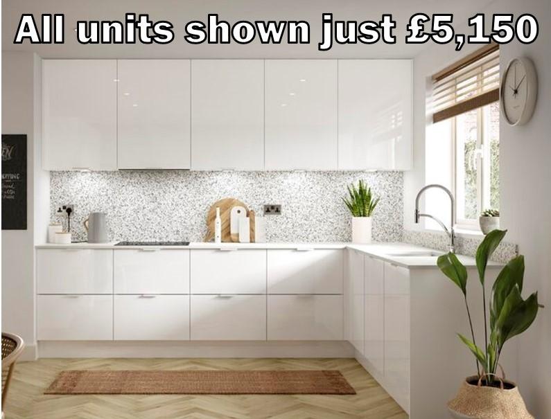 white gloss kitchen 155