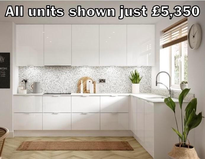 white gloss kitchen 351
