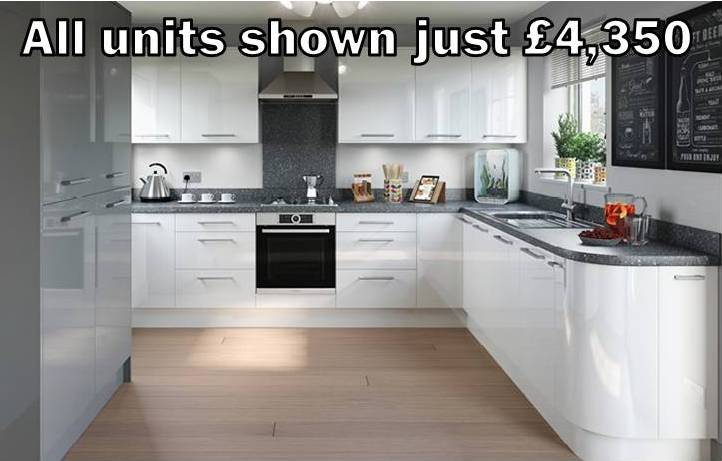 white gloss slab kitchen 35